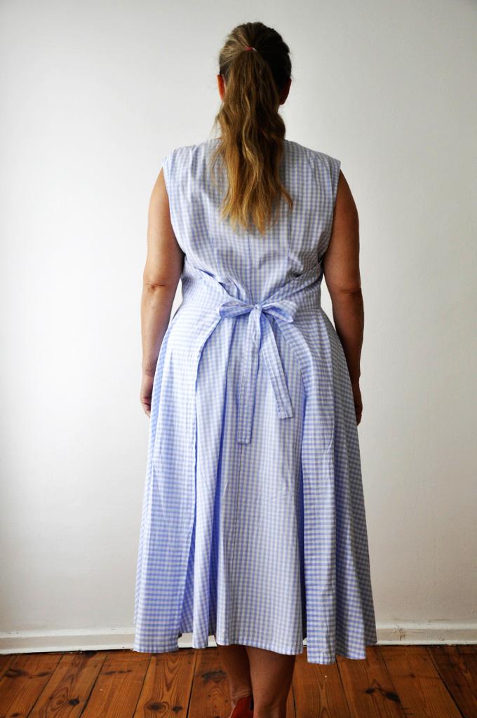 Vichy-Karo-Kleid, Rücken