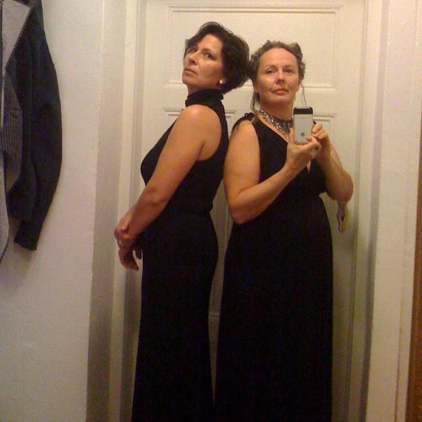 #609060 Zwei normale Frauen gestern Abend