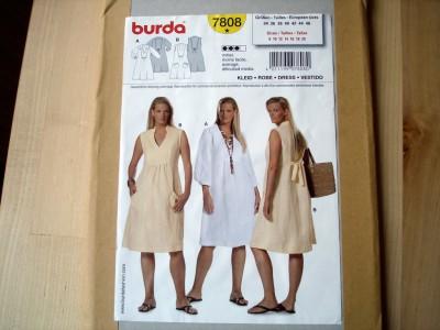 Schnitt Weisses Kleid