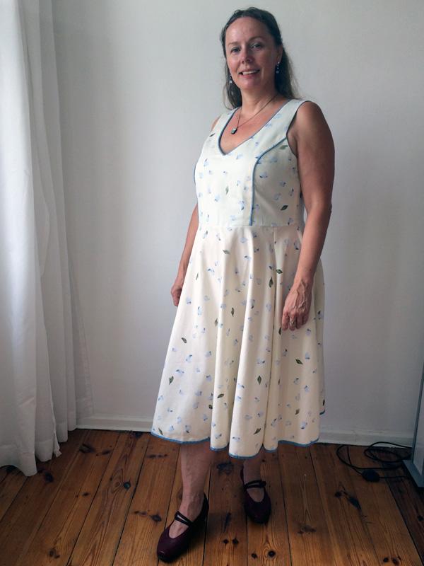Damenkleid 2
