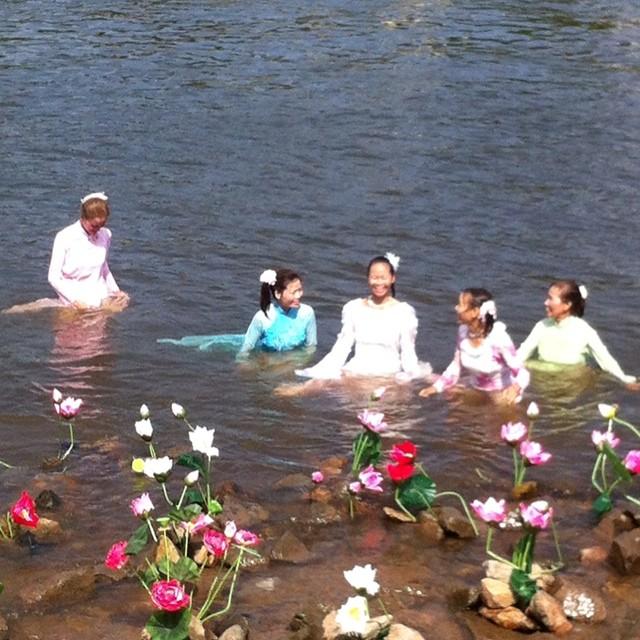 die Mädels haben Spaß #elbeschwimmen